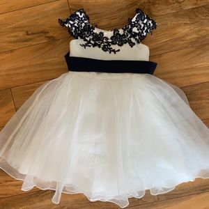 Other - 3T White and Navy Dress